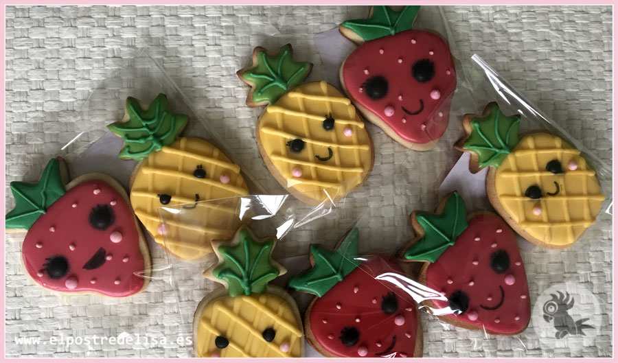 Galletas decoradas Piñas y Fresas